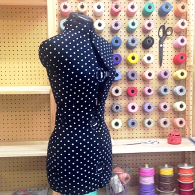 Mannequin and yarn